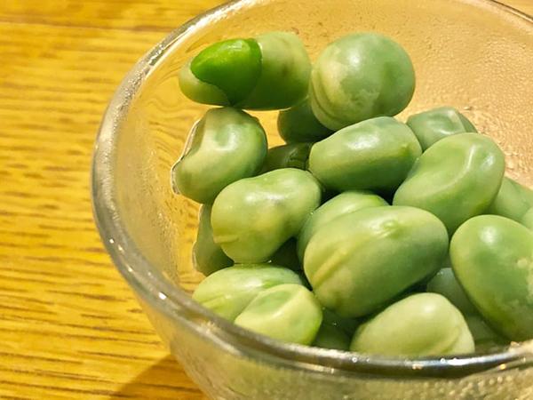 初っ端に出されたのが小粒なのにあまりのおいしさに感動した「フランス産のそら豆」