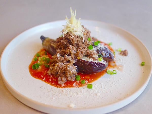 味噌ボロネーゼが今までにない味わいでびっくりするおいしさの「茄子の煮浸し味噌ボロネーゼ(600円)」