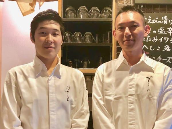 秋が深まった頃には鈴木拓哉さん(左)と坂本和樹さん(右)のふたりがお鮨屋さんを盛り上げます