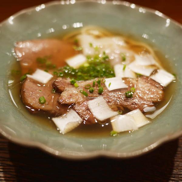 牛テールと煮干しの醤油ラーメン