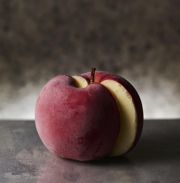 ホールサイズのりんごのアイス「ポンム」