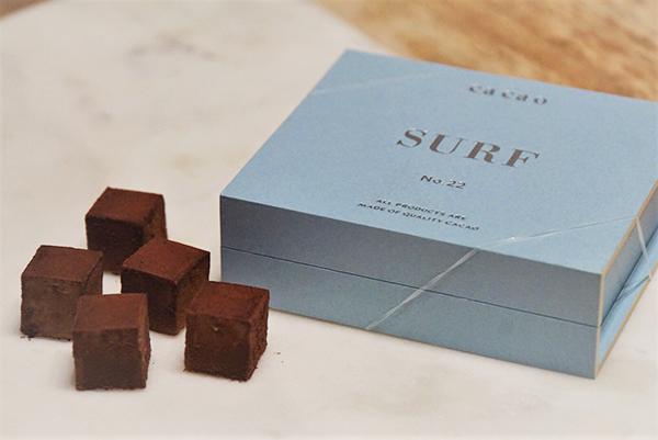 コロンビア産カカオ70%とフランス産の天然海塩をブレンドしたチョコレート『SURF』、2000円
