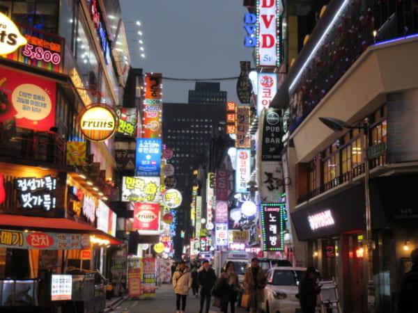 3年前に訪れたソウルの繁華街  撮影:万城目学