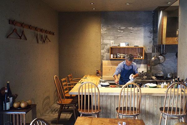 オープンは2019年6月。「静かな場所でお店をオープンさせたいと思っていたときに、丁度いいお話があって北鎌倉にお店を出しました」と店主の秋月光広さん