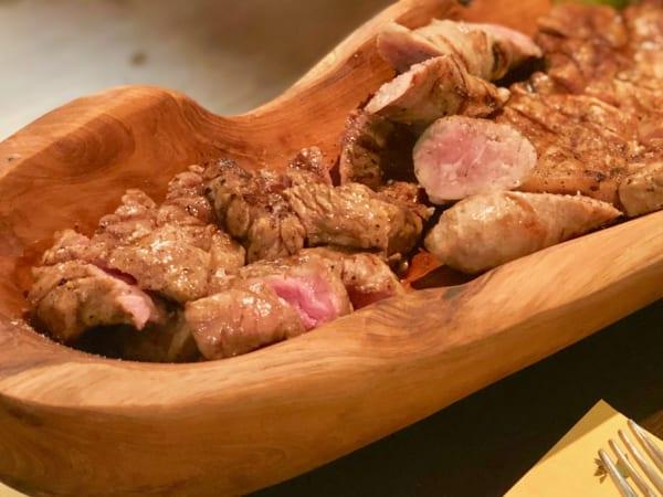 本日のグリルはその日のおいしいお肉がいろいろ。組み合わせもできます!