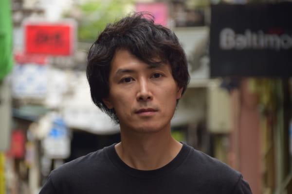 大杉栄や伊藤野枝についての著作でも知られる、政治学者・アナキストの栗原康さん