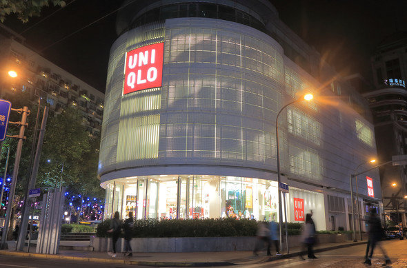 アパレル業界で1人勝ちを続けるユニクロ(上海のユニクロ店舗、写真提供:ゲッティイメージズ)