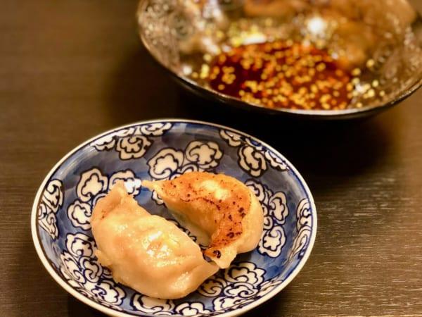 市民権を得た、残ったよだれ鶏のタレで黄ニラと野菜たっぷりの餃子を食べる!