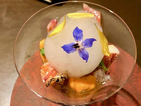バカール時代に何度もメニュー名が変わった「冷製魚介のカクテル」は今も変わらず感動する味