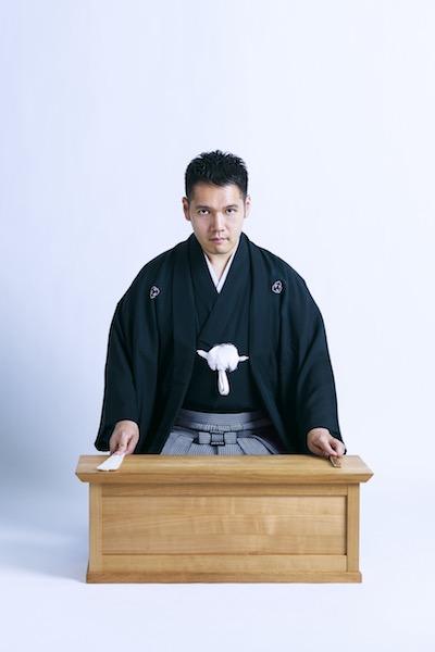 「ジャンルを問わず気になった漫画には目を通します」という、講談師の6代目神田伯山氏。