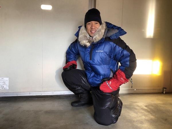 もし極寒のアラスカで川にハマったら…。そのシーンを想定してー20℃の冷凍庫実験。(写真提供/北田雄夫)