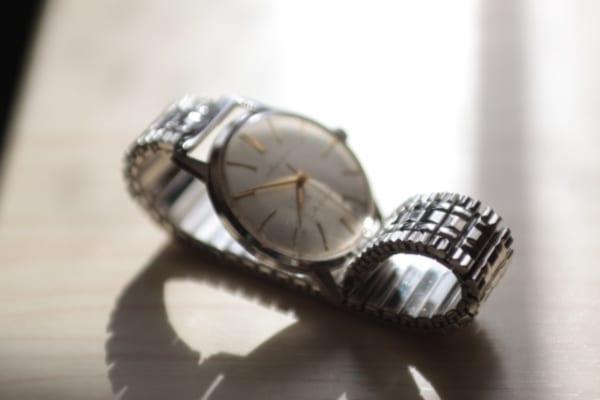 だいぶ前のことらしいので、こんな腕時計だったのか……と想像してみるのも楽しい