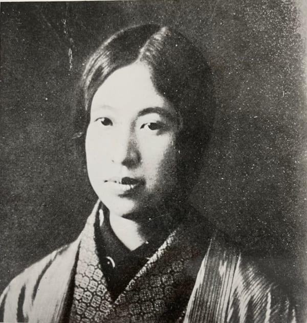 『青鞜』を創刊当時のらいてう。写真提供/日本近代文学館