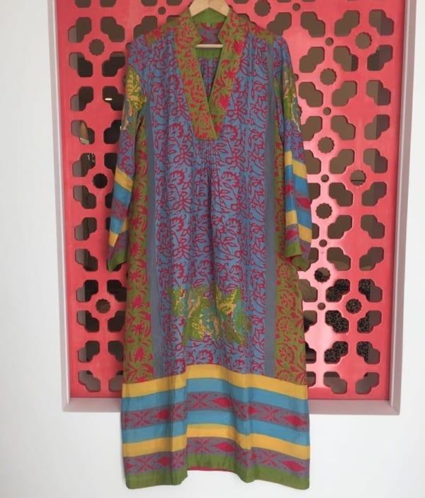 トスカーナ地方のHOTEL PELLICANOで購入したドレスは、シルク製のカフタン風