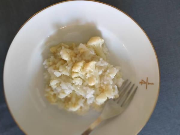 仕上げにフルール・ド・セルなど粒の大きな塩を振ります。舌の上で塩みが弾けて、野菜の甘さを引き立てます。