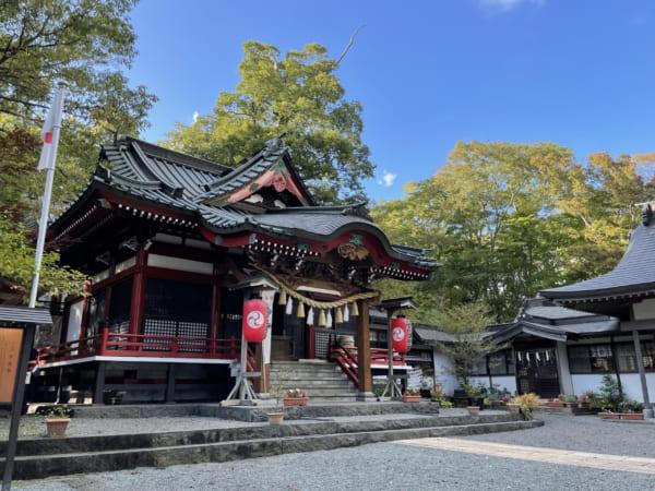 山中湖の近くにある山中諏訪神社